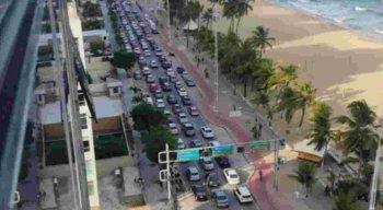 Carreata aconteceu em Boa Viagem, na Zona Sul do Recife
