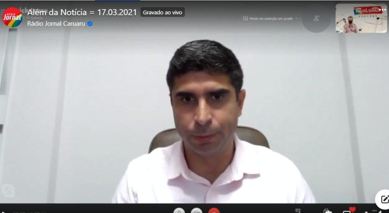 O Delegado Erick Lessa participou de entrevista na Rádio Jornal Caruaru.