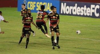 Sport e 4 de Julho se enfrentaram pela Copa do Nordeste 2021 na Ilha do Retiro