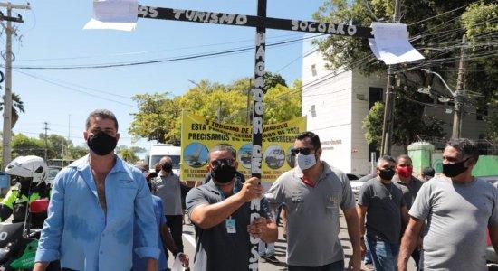 Pandemia: Véspera do início da quarentena em Pernambuco é marcada por protesto de profissionais do turismo