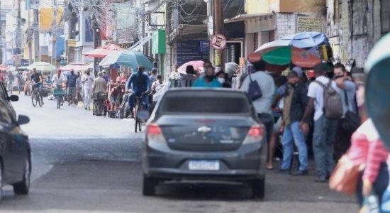 Quarentena é desrespeitada em Jaboatão dos Guararapes, com comércio informal nas ruas de Prazeres