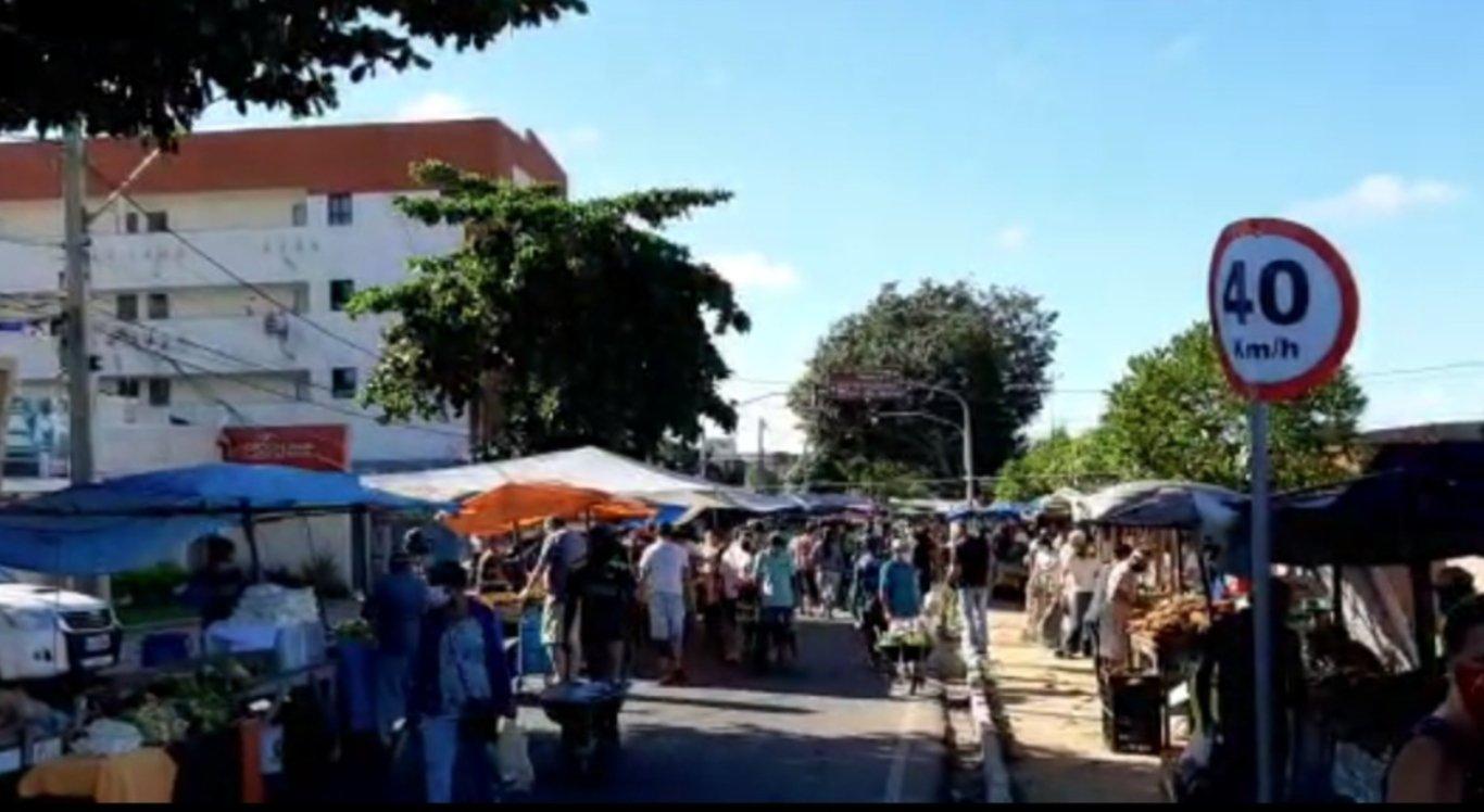 Movimentação na feira do bairro Heliópolis, em Garanhuns