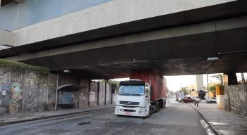 O motorista informou que obedecia a rota recomendada pela seguradora da empresa.