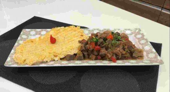 Guisadinho de Carne de Sol com Chapa de Cuscuz do chef Rivandro França