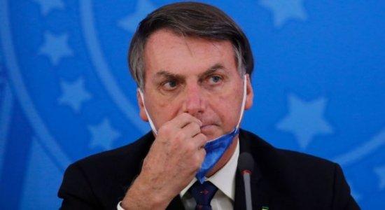 Jair Bolsonaro diz que ''o caos bate na porta'' e manda os brasileiros ''se prepararem''
