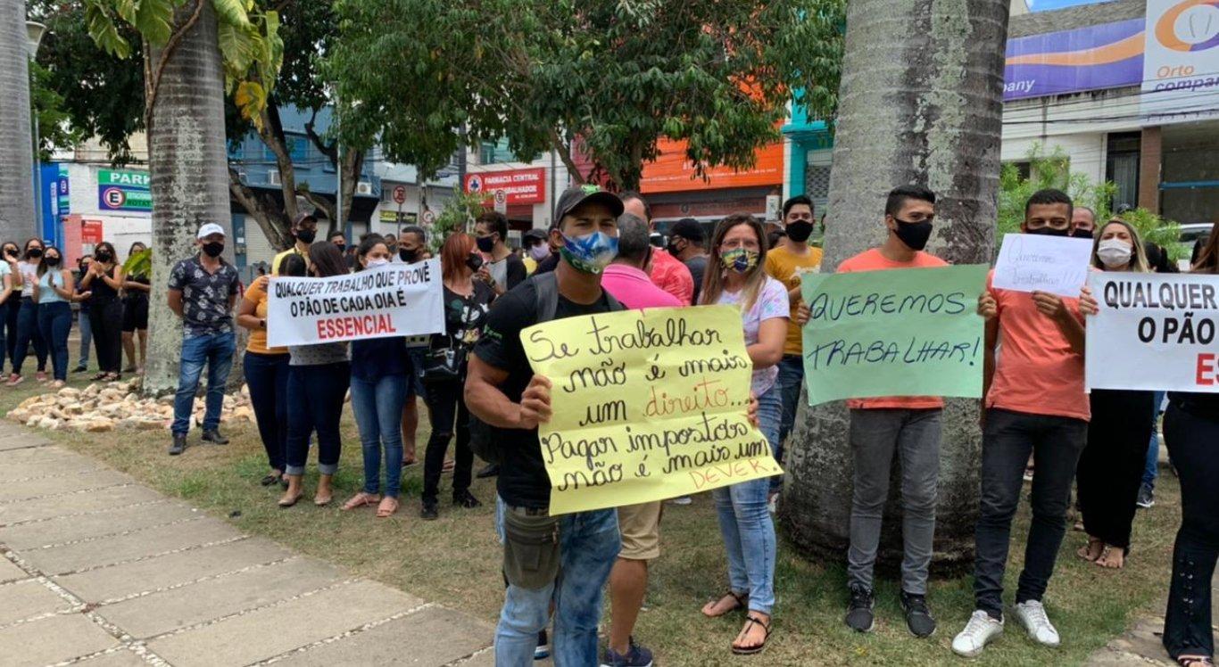 Comerciantes realizaram protesto na Prefeitura de Caruaru