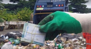 Os R$ 10 mil foram encontrados no lixo