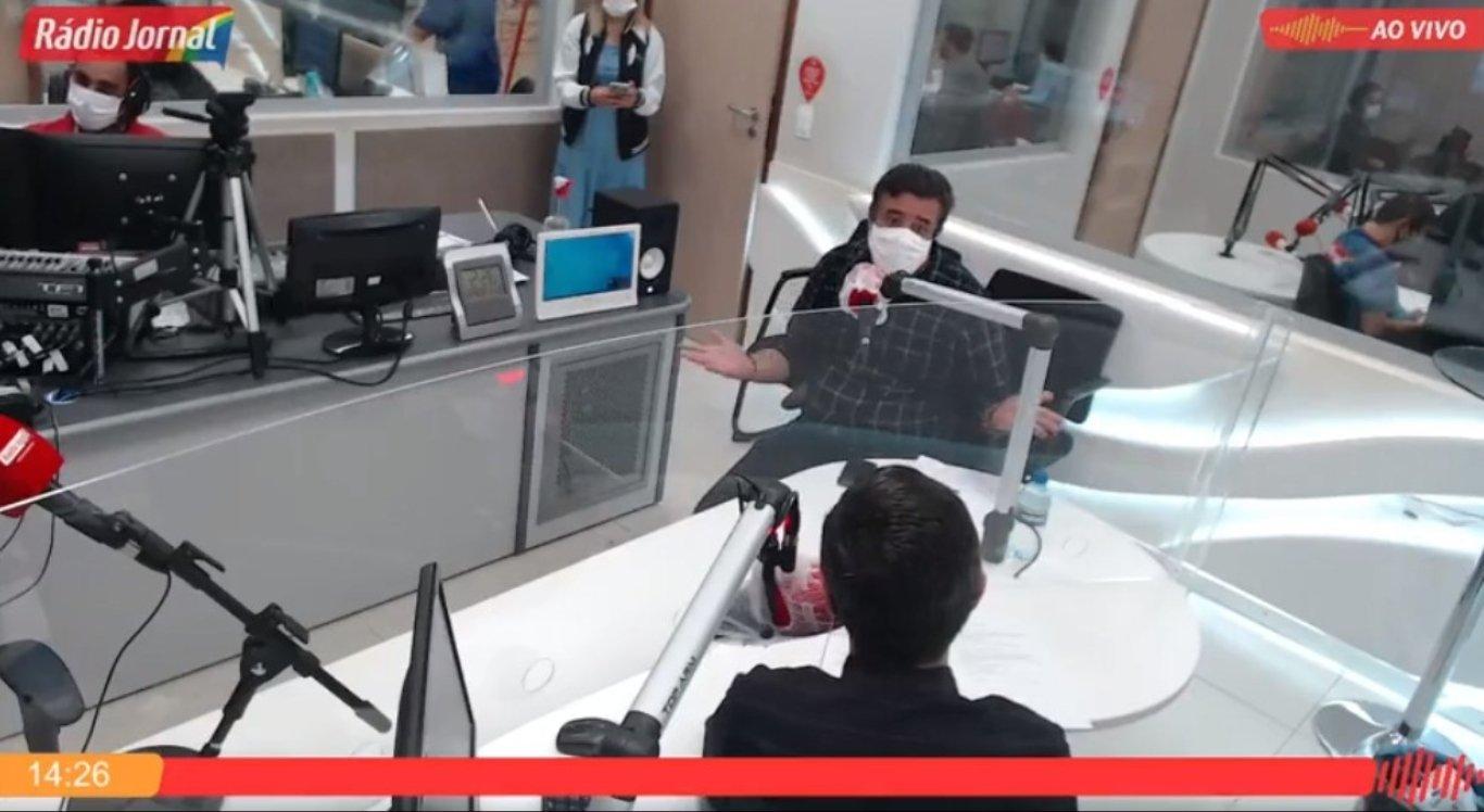 Bruno Lambreta deu entrevista na Rádio Jornal Caruaru