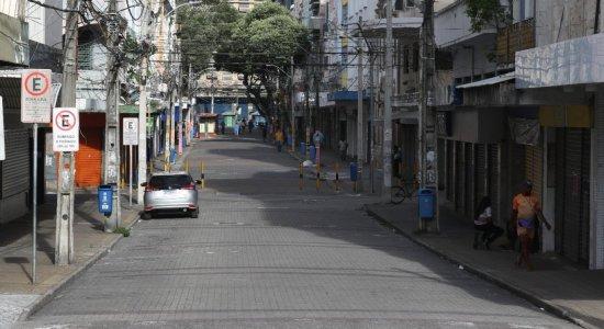 Rua vazia no Centro do Recife durante o período de quarentena