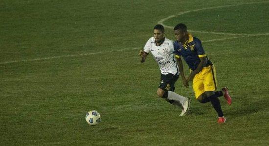 Retrô busca empate contra o Corinthians, mas é eliminado da Copa do Brasil nos pênaltis