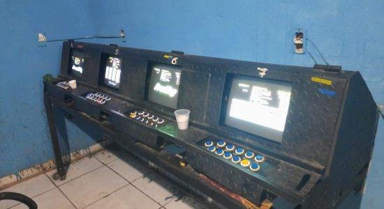 Casa de jogos de azar é fechada em Paulista e nove pessoas são presas