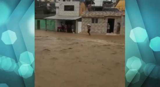 Chuva gera transtornos para moradores do Agreste e da Zona da Mata Sul de Pernambuco; veja vídeos