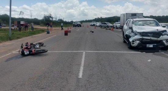 Mulher morre e outra fica gravemente ferida em acidente na BR-104, em Caruaru