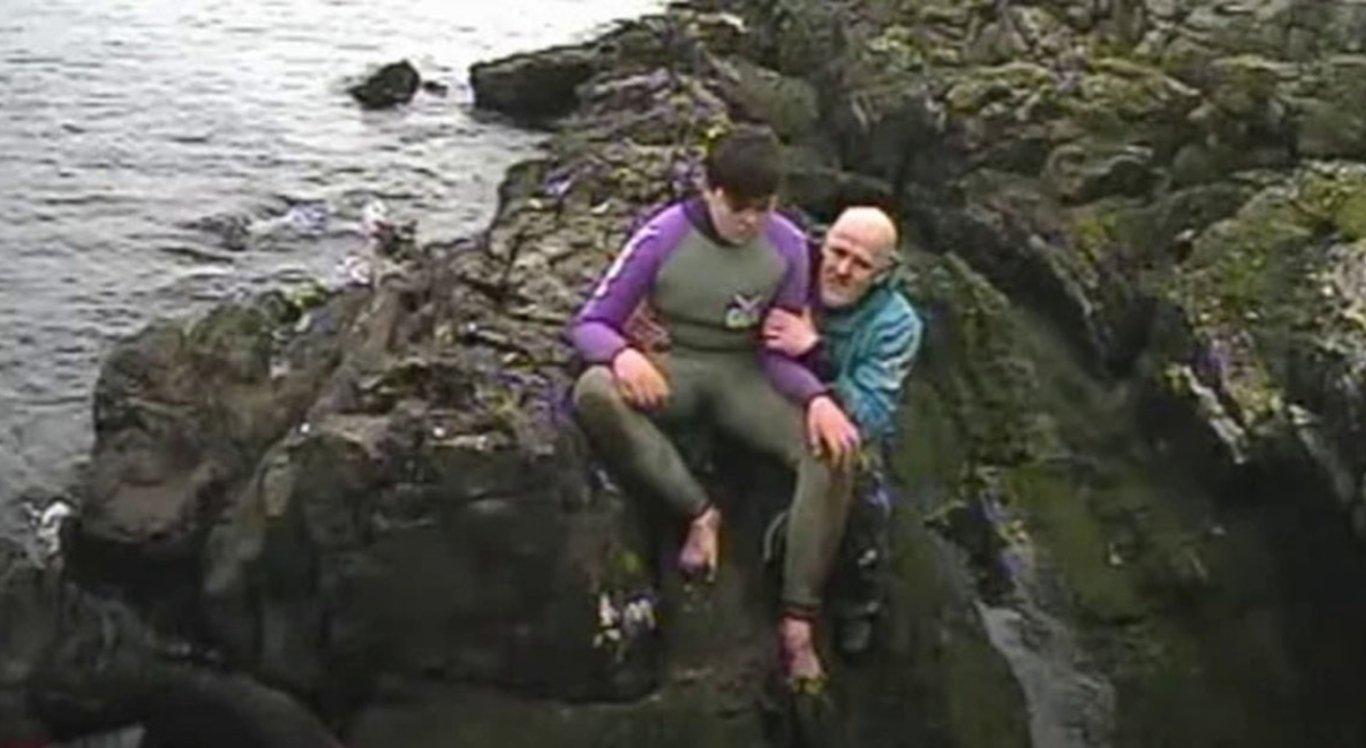 O filho salvou o pai de afogamento