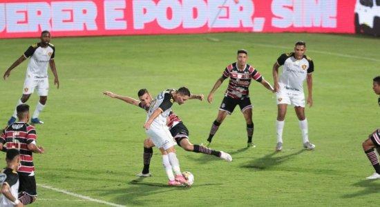 Em clássico polêmico, Sport vence o Santa Cruz por 2x1 e segue vivo na Copa do Nordeste