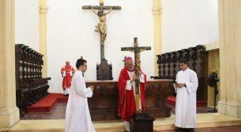 Paixão de Cristo é lembrada na Sexta-Feira Santa