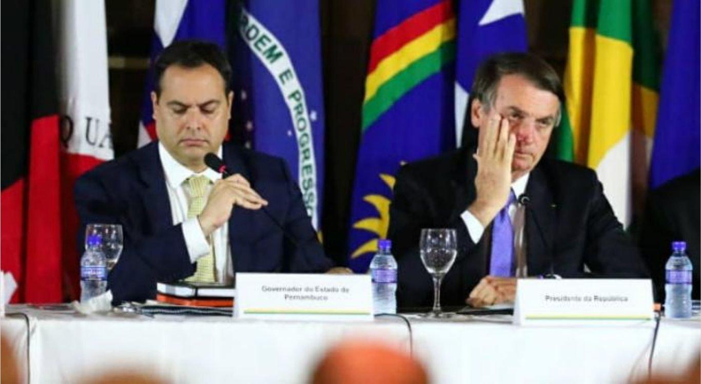 Bolsonaro reproduz vídeo com críticas a Paulo Câmara.