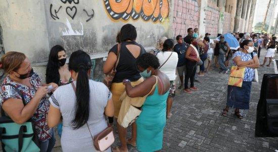 Com longa fila na Central do Cadastro Único no Recife, saiba como manter pagamento do Bolsa Família