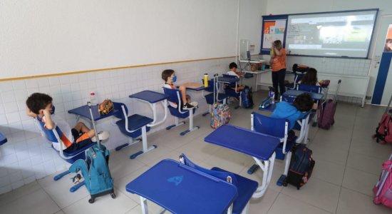 Pandemia: Escolas da rede particular recebem primeiro grupo de alunos no retorno às aulas em Pernambuco
