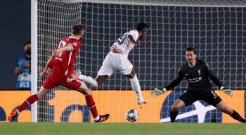 Vini Júnior marcou dois gols na vitória do Real Madrid, pela Liga dos Campeões