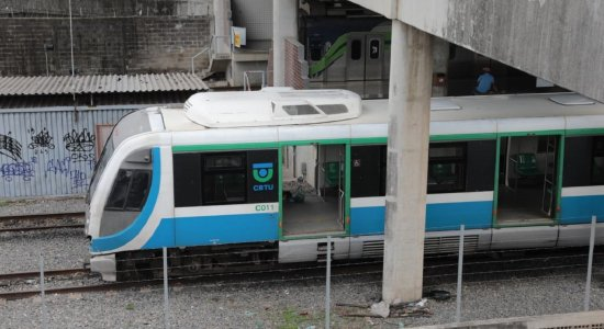 Estações da Linha Sul do Metrô do Recife têm problema e são fechadas temporariamente