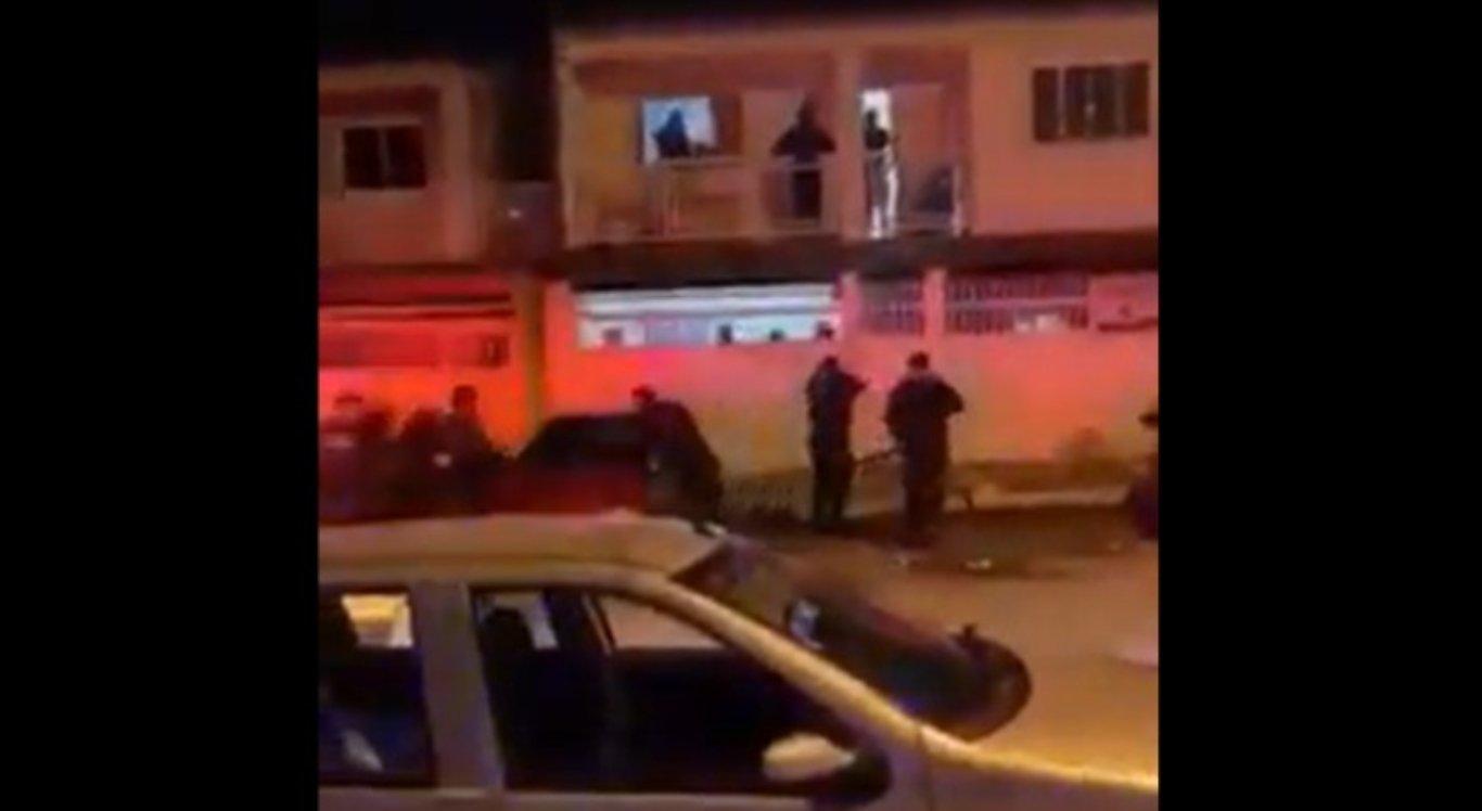 Policiais tentavam impedir uma festa no Distrito Federal