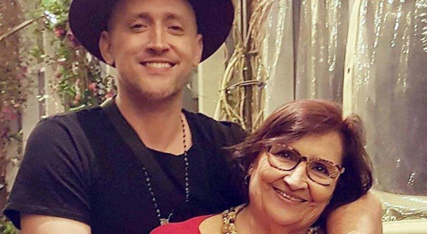 Mãe de Paulo Gustavo agradece orações para o filho e pede que fãs se cuidem
