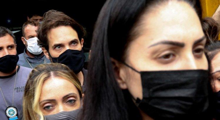 Dr. Jairinho e mãe de menino Henry prestam depoimento no Rio