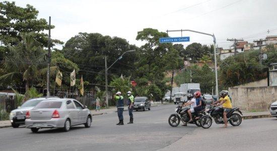 Mudança de trânsito gera longos engarrafamentos na Zona Sul do Recife