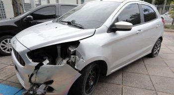 O carro em o comerciante estava foi recuperado e levado para a Delegacia de Paulista