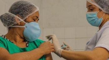 Profissionais da saúde fazem parte do grupo prioritário para vacinação da gripe.