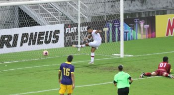 Náutico goleou o Retrô por 4x1, na Arena de Pernambuco
