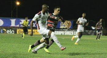 Santa Cruz e Cianorte se enfrentaram no estádio Albino Turbay, pela Copa do Brasil