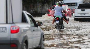 De acordo com a Agência Pernambucana de Águas e Clima (Apac),o sistema meteorológico que vem causando essa chuva é conhecido como Distúrbio Ondulatório de Leste (DOL).