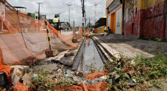 Moradores denunciam lentidão na requalificação da Avenida Presidente Kennedy, em Olinda