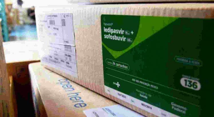Os medicamentos foram trazidos ao Brasil e serão doados ao -