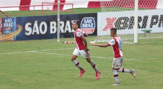 Náutico vence o Santa Cruz e garante vaga na semifinal do Campeonato Pernambucano; ouça os gols