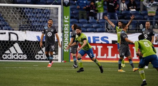 Ex-meia do Santa Cruz fala de adaptação nos EUA, busca por título da MLS e golaço pelo Seattle
