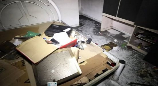 Família perde tudo em incêndio e pede ajuda, em Jaboatão dos Guararapes