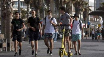 Em Israel, população pode andar sem máscaras nas ruas