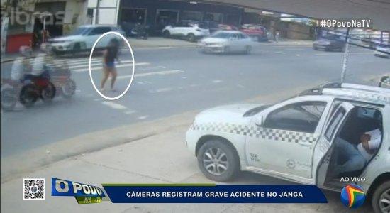 Vídeo: mulher é atropelada e arrastada por moto quando tentava atravessar avenida no Janga