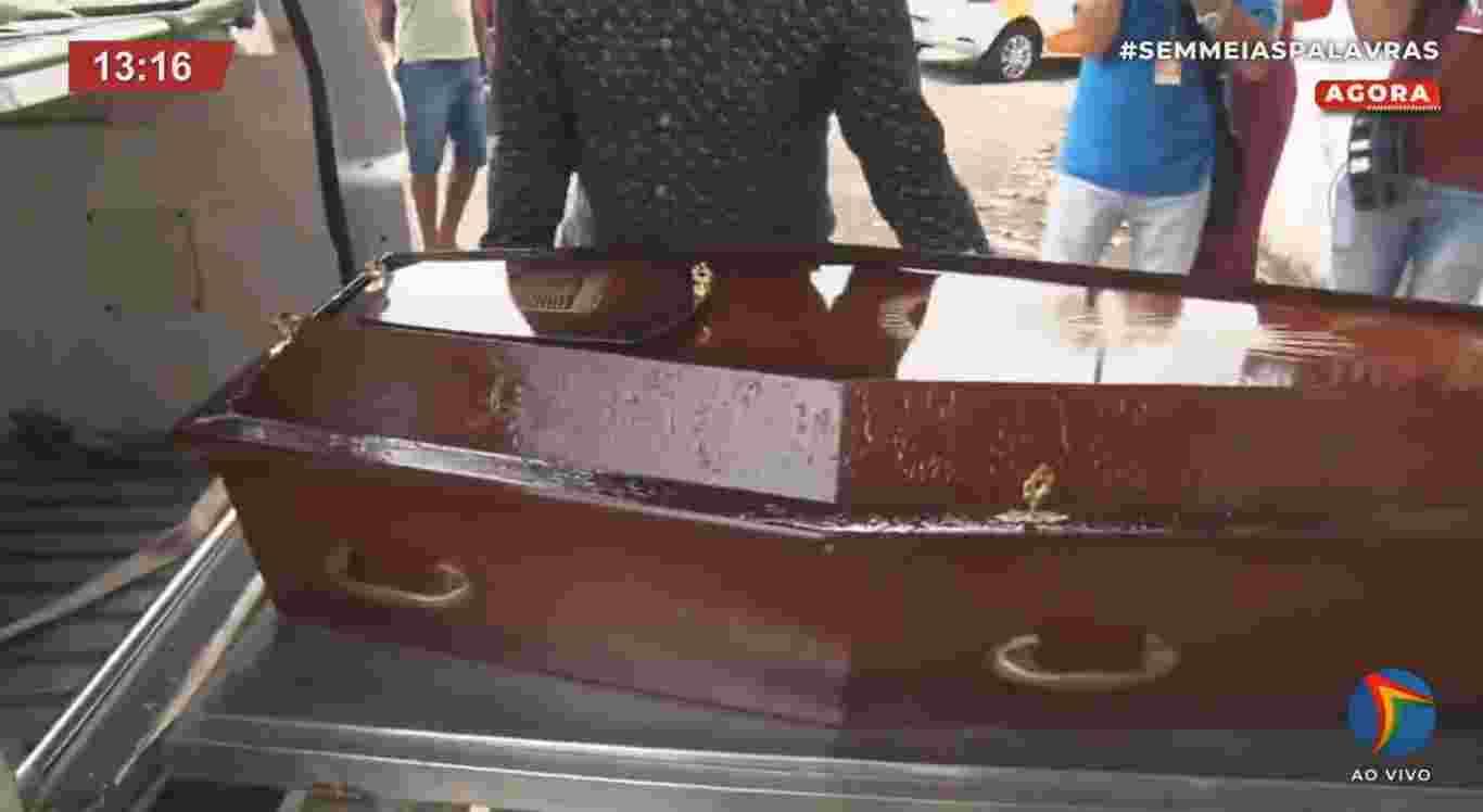 Corpo de Patrícia Roberta está a caminho de Caruaru