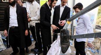 Segundo os serviços de saúde israelenses, pelo menos, 20 pessoas estão internadas em estado grave.