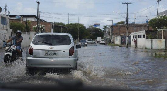Notícia do mês: abril é marcado por transtornos provocados pelas fortes chuvas no Grande Recife