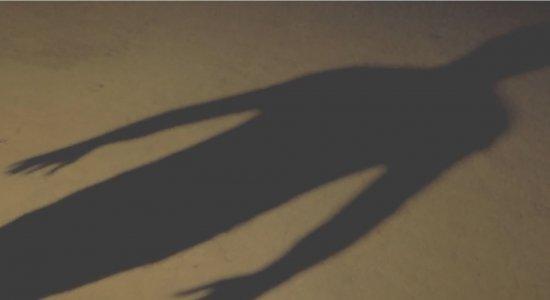 Os relatos falam sobre sombras gigantes, choros e risadas vindos de lugar nenhum