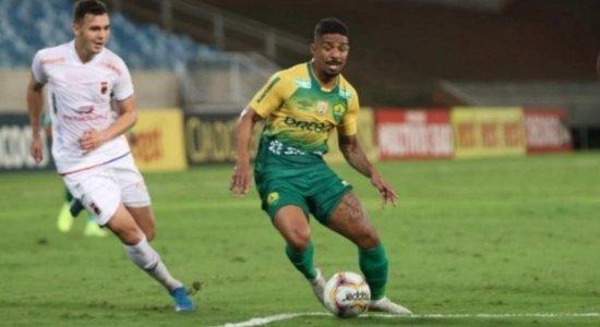 Visando a Série A, Sport acerta com lateral Hayner, ex-Cuiabá