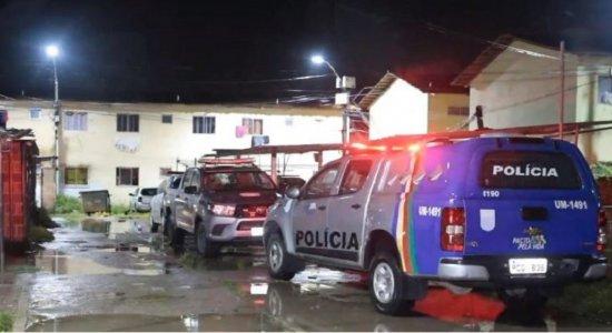 Homens invadem casa, matam jovem com mais de 20 tiros e deixam três feridos no Cabo de Santo Agostinho