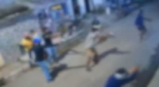 Vídeo mostra tiroteio que deixou um morto e três feridos, em Nova Descoberta