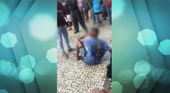 Vídeo mostra ex-presidente de sindicato de policiais agredindo jovem no Recife e ele justifica: 'ato de insanidade de um cidadão'