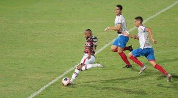 Santa Cruz e Afogados pelo Campeonato Pernambucano 2021 no Estádio do Arruda